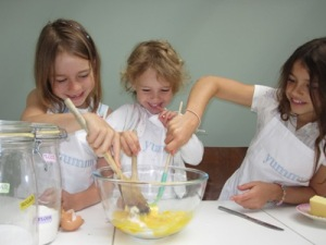 image of children making fairy cakes